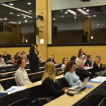 """Photo de la conférence """"Quelles réponses face à l'échec scolaire ?"""" du 9 février 2017 organisée par VersLeHaut"""